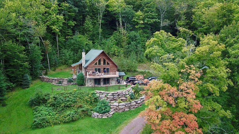 Mountain Retreat Close to Hunter / Windham Mountain, holiday rental in Stamford