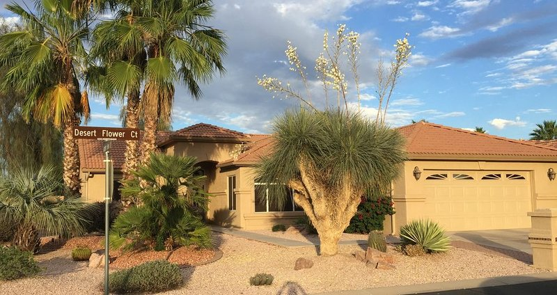 Gorgeous Oakwood Vacation Home! Spotless!!!, casa vacanza a Sun Lakes