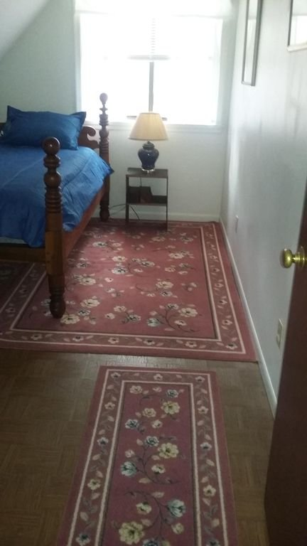 Boven slaapkamer met twee eenpersoonsbedden