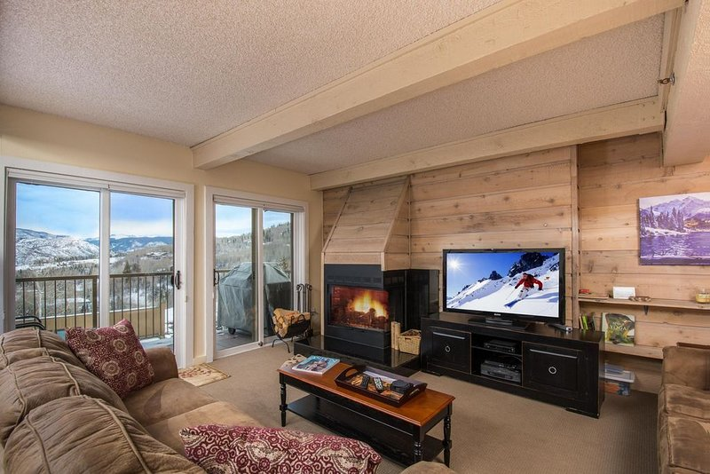 Great Rates, Easy access, 2BR, 2BA, Condo with outstanding view.  Pool &Hot Tub, location de vacances à Snowmass Village