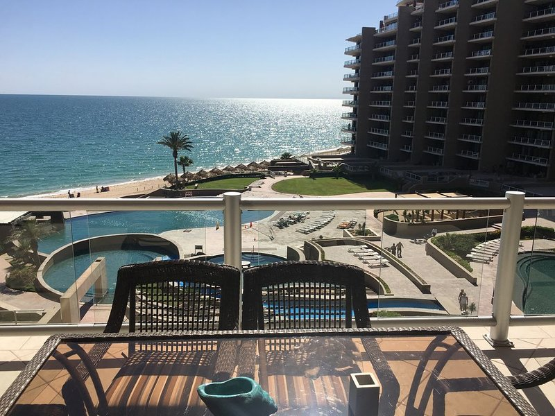 2 Ocean Front Rooms With Two Bunk beds And Stunning Sunset, casa vacanza a Puerto Penasco