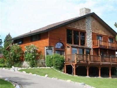 Entertainer's Dream Home & Perfect Family Lodge, location de vacances à Bigfork