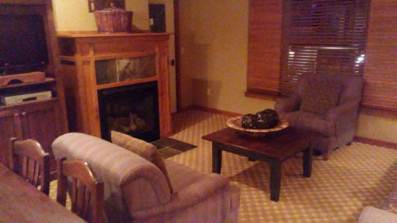 Large Suite Vill/Mt. View 213, holiday rental in Kellogg