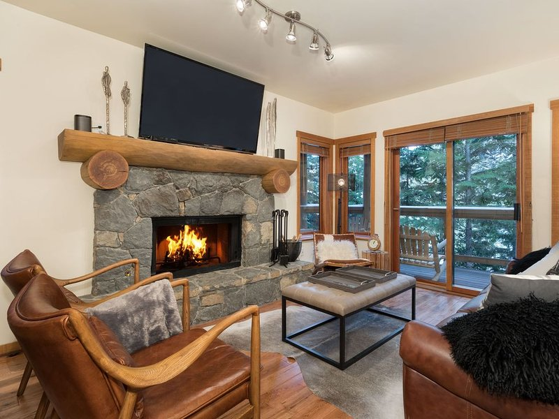 Whistler Creekside Luxurious Townhouse in Taluswood, alquiler vacacional en Whistler