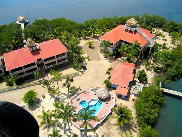 Caribbean, Lagoon,  & Mtn views, 2BR/2BA, walk to village, $175/nt 8/15-11/15, Ferienwohnung in Placencia
