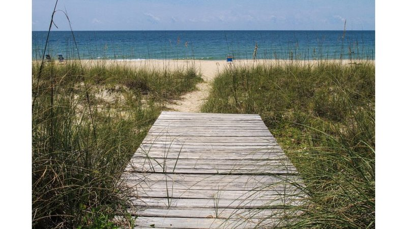 Come visit St. George Island! All Beach Rentals are now open on the Panhandle., location de vacances à Eastpoint