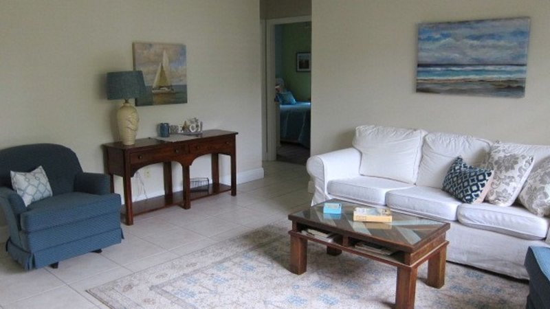 Enjoy southern Florida's treasure coast, minutes from the beach, holiday rental in Port Salerno