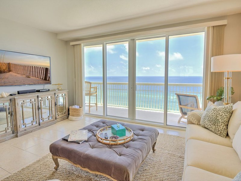 Celadon~West End Wraparound Balcony!! 2021 Rates Live!, holiday rental in Laguna Beach