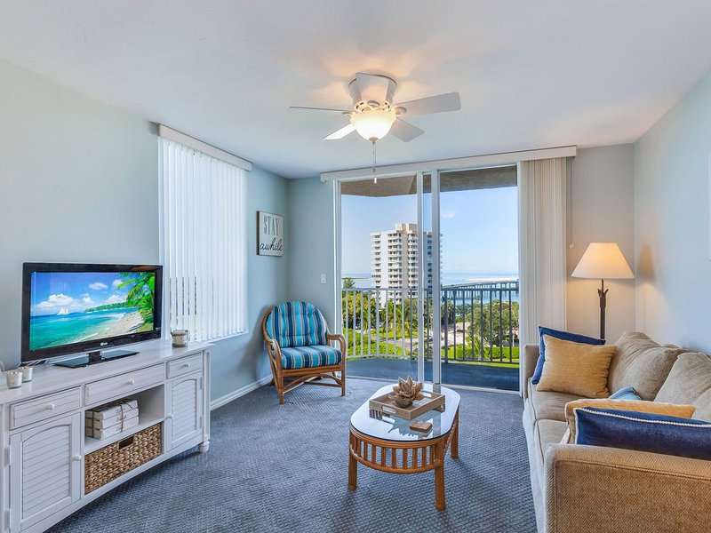NEW LISTING!  Beautiful Remodeled 7th Floor Paradise 'Lovers Key Resort', holiday rental in Fort Myers Beach