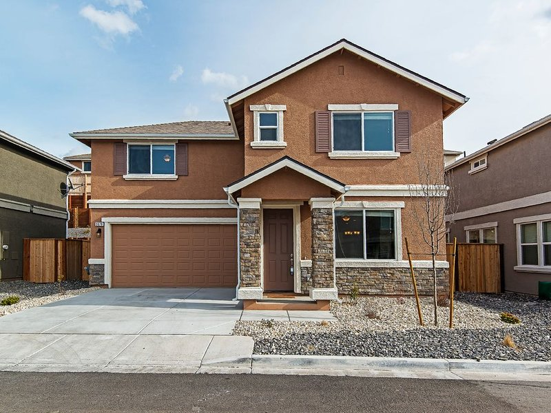 Convenient Location! 2 Story, Single Family Home, holiday rental in Reno