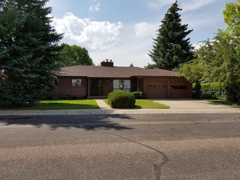 'The Brown House'...Perfect for all things Laramie and beyond, holiday rental in Laramie