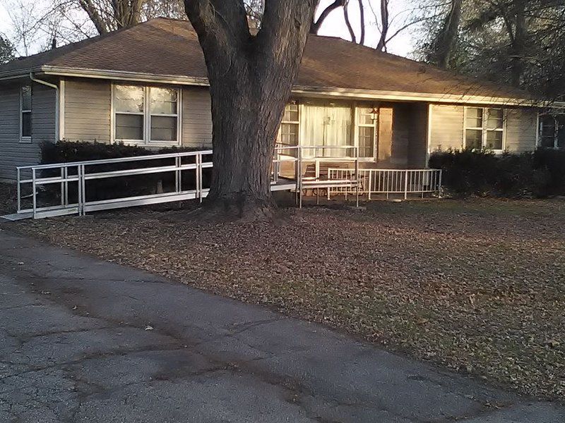 Madison, WI One Level House With Large Fenced In Yard, alquiler de vacaciones en Madison