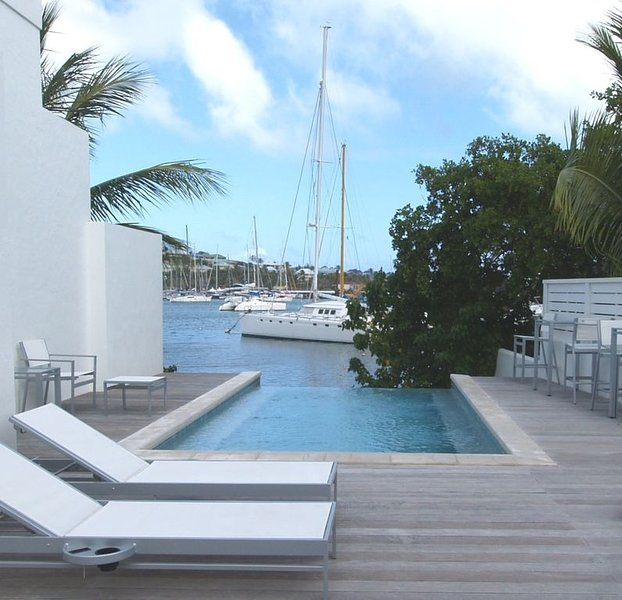 Prestigious Neighborhood, Secure Private Gated Beach Club -  Ideal for Couples!, alquiler de vacaciones en Oyster Pond