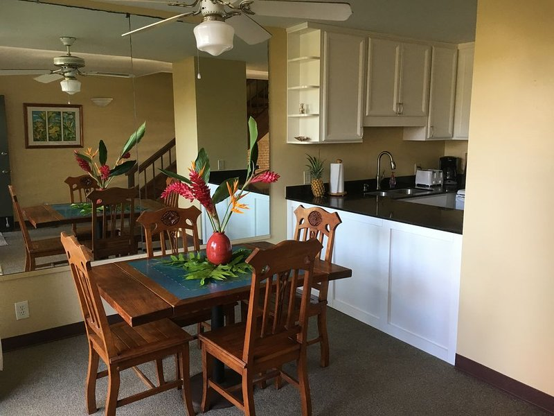 Beautiful 2 Bedroom Turtle Bay Condo, holiday rental in Kahuku