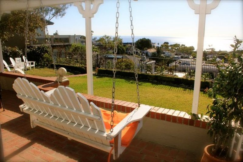 Central Village - Breathtaking View - Charming Home + Yard, vacation rental in Laguna Beach