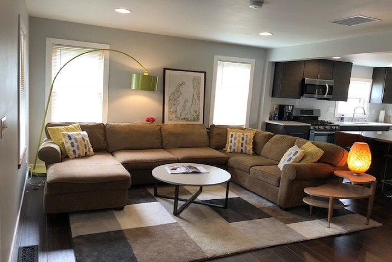 Walking distance to downtown Elk Rapids, Elk Lake and dining, vacation rental in Antrim County