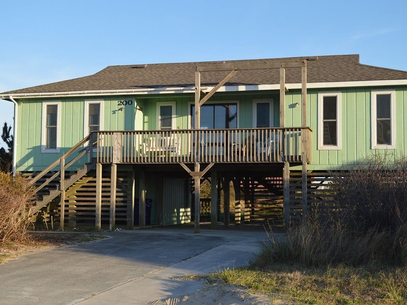 Beach? We gotcha Beach-oceanside, only steps from uncrowded beautiful beach, holiday rental in Wanchese