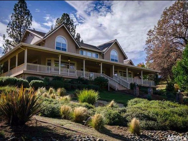 The HideAway in Somerset, holiday rental in Pollock Pines