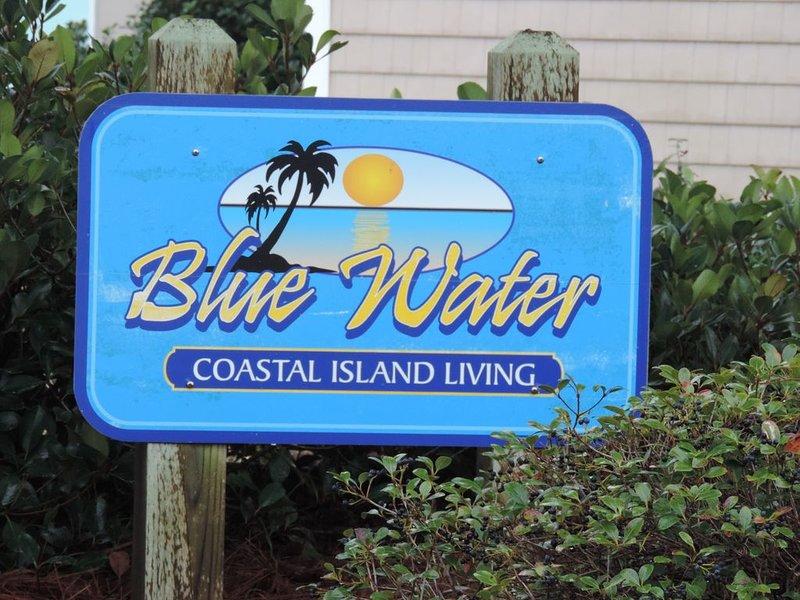 'A Bit of Paradise' - Bright & Cheery Condo - Pool & Beach Access - Sleeps 6, holiday rental in Atlantic Beach