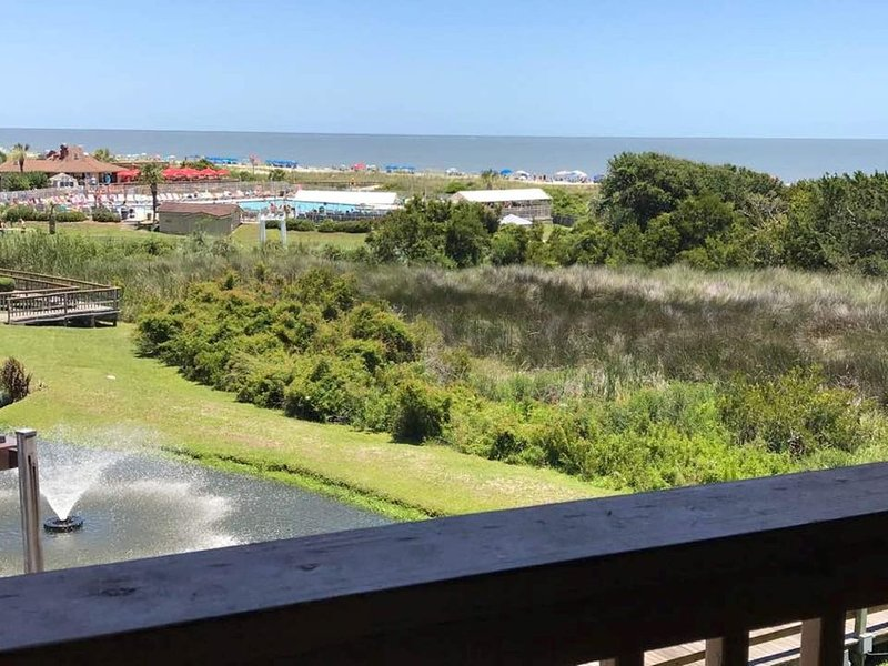 AMAZING OCEAN VIEW - PRIVATE BEACH OPEN!!!, vacation rental in Bluffton