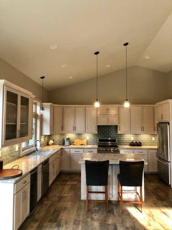 Kitchen - brand new!