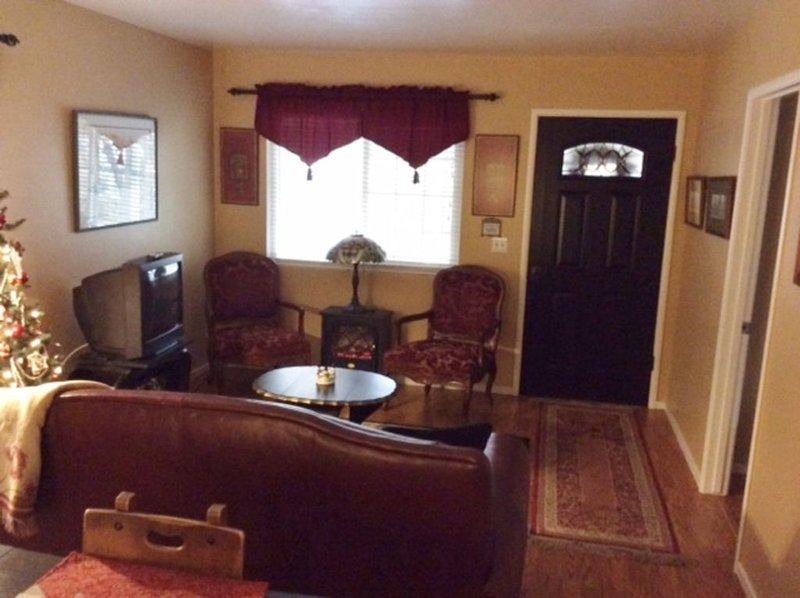 DOWNTOWN MURPHYS, HALF BLOCK TO MAIN ST, alquiler de vacaciones en Calaveras County