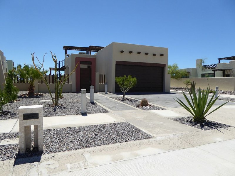 3 Bedroom Home & Pool - Golf & Mayan Palace and Grand Mayan Resort Package, vacation rental in Puerto Penasco