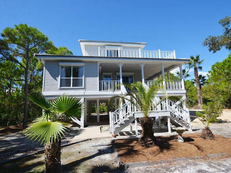 YOUR BEACH PARADISE IS WAITING FOR YOU AT PELICAN COTTAGE!, location de vacances à Eastpoint