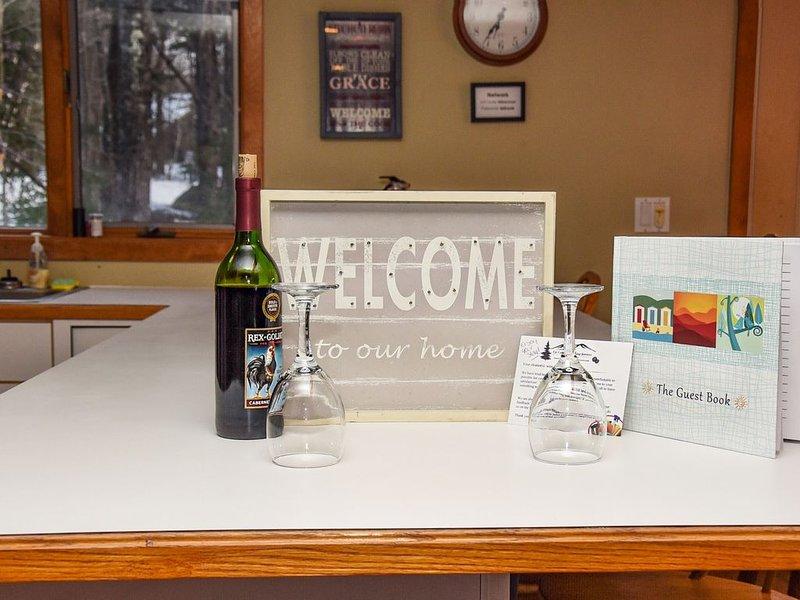 En flaska gratis vin väntar på dig vid din ankomst!