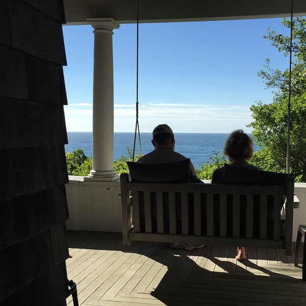 PRIVATE OCEANFRONT RETREAT - enjoy the peace and quiet of an historic Maine home, holiday rental in Orrs Island