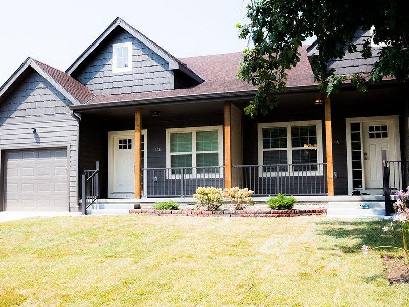 New Modern Midtown Home, holiday rental in Glenwood
