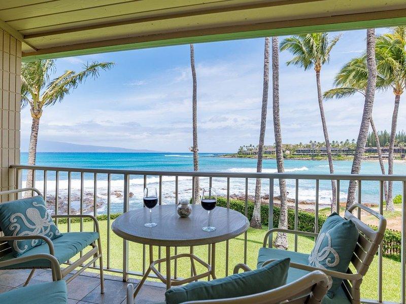 Romantic Oceanfront Studio with Gorgeous Ocean Views Overlooking Napili Bay, location de vacances à Kapalua