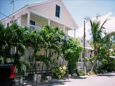 Steps from Duval, Heated Pool,  $99-$219 Night - Free Bikes Included!, holiday rental in Stock Island
