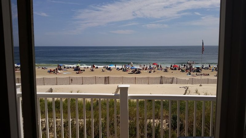 Absolutely Beautiful Ortley Beachfront Newly Updated Condo- Full Ocean Views, holiday rental in Ortley Beach