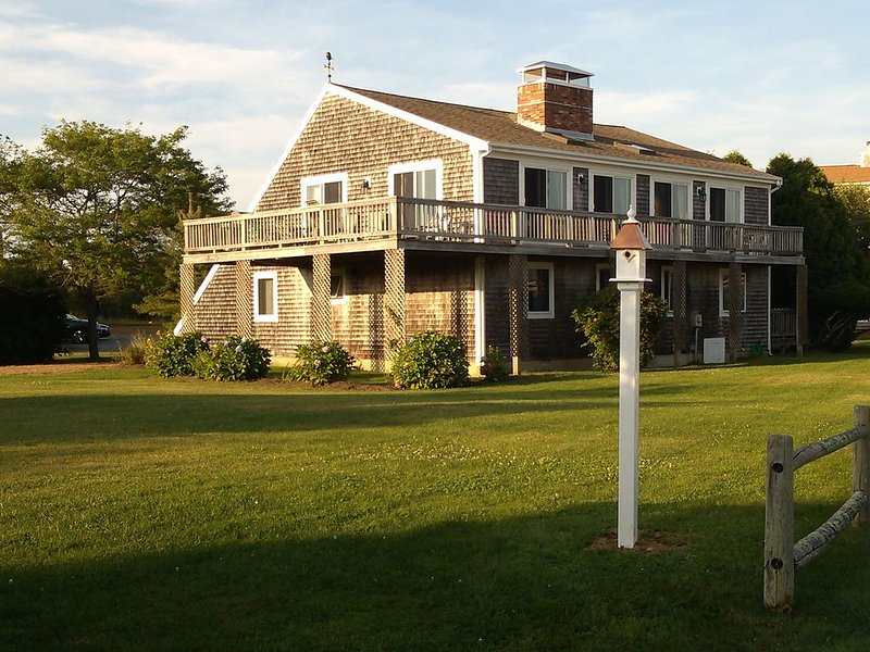 Great House... Great Location... Walk to Beach..., holiday rental in Edgartown