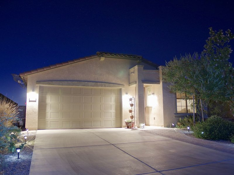 Luxury Dove Mountain Home Overlooking Preserve. Gated Community. Golf, Hiking., vacation rental in Tortolita