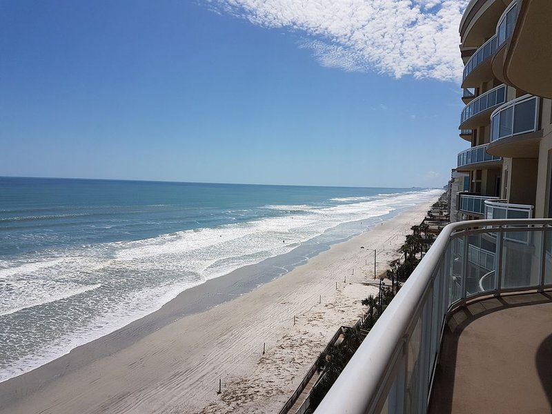 AVAILABLE JAN Month , Direct Ocean Front Condo 3B/3B. Views of the Entire Beach, holiday rental in Daytona Beach Shores