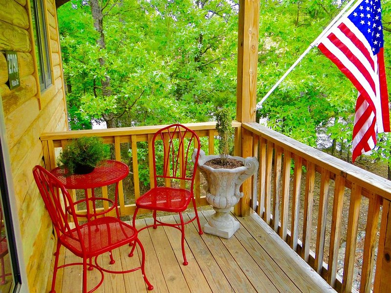 SUPER LOW OFF SEASON RATES-Book 2021 Summer Now, holiday rental in Pencil Bluff