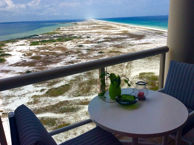 20th floor / Tower 2 Solid 5 star ⭐️ Reviews -20th floor Portofino, vacation rental in Pensacola Beach