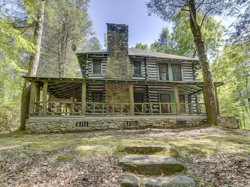 Shamrock House:Historic Log Cabin, Servant's Quarters, Cottage with trout stream, alquiler vacacional en Sunset