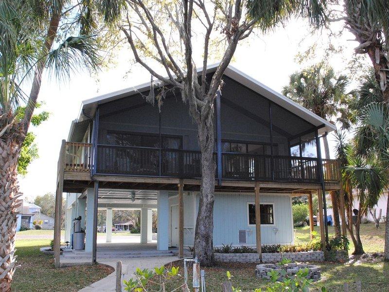 Waterfront Home on the Little Manatee River on Florida's Gulf Coast, location de vacances à Sun City Center