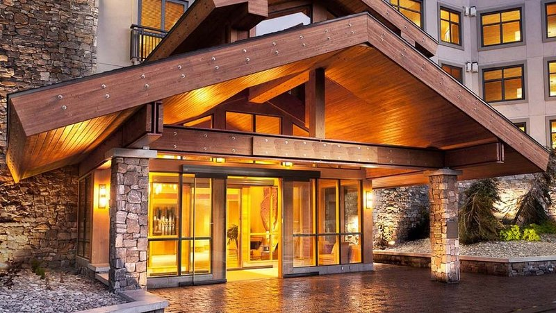 Monache Deluxe Condo - 60' 4k HDTV, Patio, Finest Hotel.., aluguéis de temporada em Mammoth Lakes