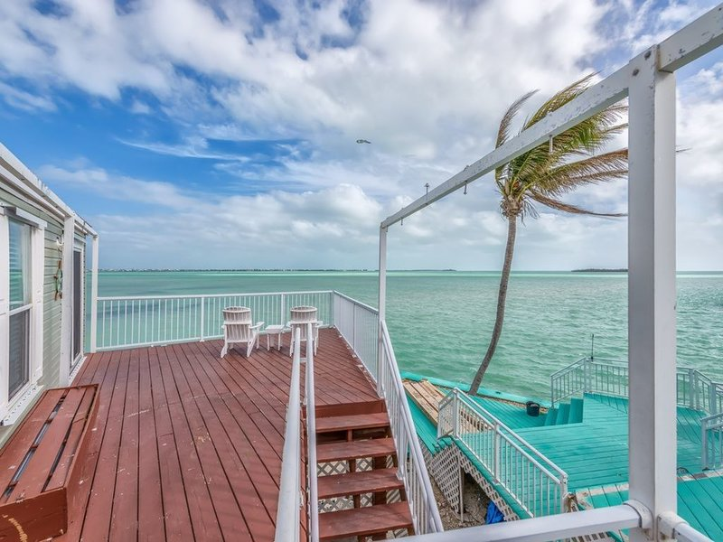 Ocean Perch, Dock, Open Water Views, 80' Heated Pool, Tennis, 20 Min to Key West, holiday rental in Cudjoe Key
