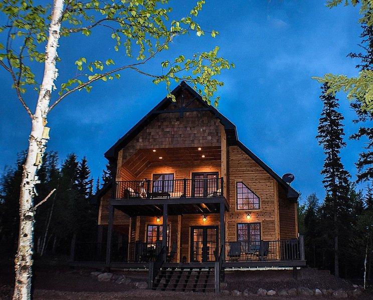 Lutsen Northwoods Retreat-Location! Ski! Golf! Firepit!!, holiday rental in Lutsen