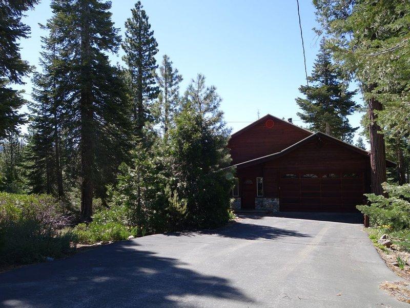 Ideal Family Home for your Lake Tahoe Getaway!!, alquiler de vacaciones en Tahoe Vista