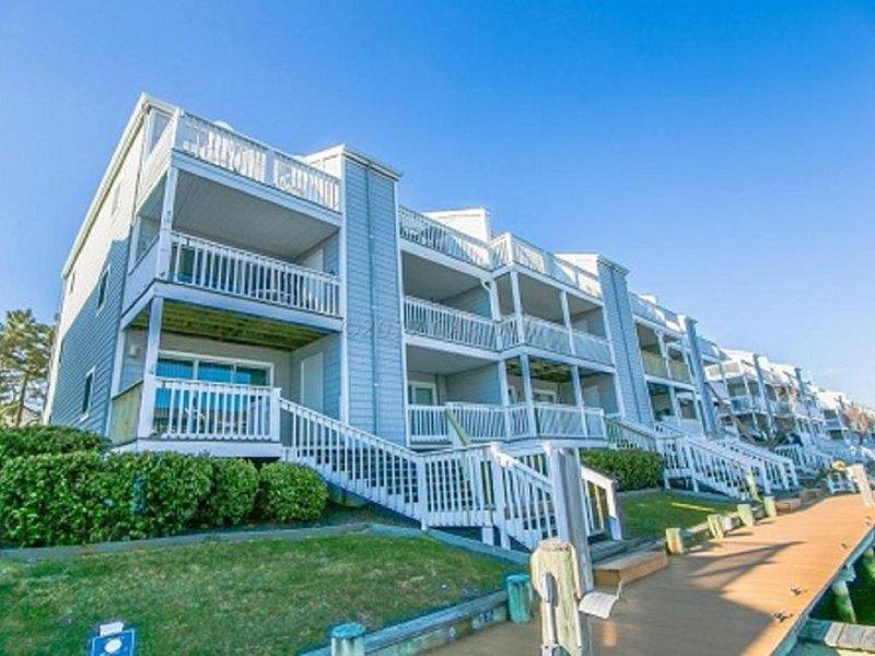 Waterfront at one of Ocean City's Most Desired Communities-Walk to the beach !!, alquiler de vacaciones en Ocean City