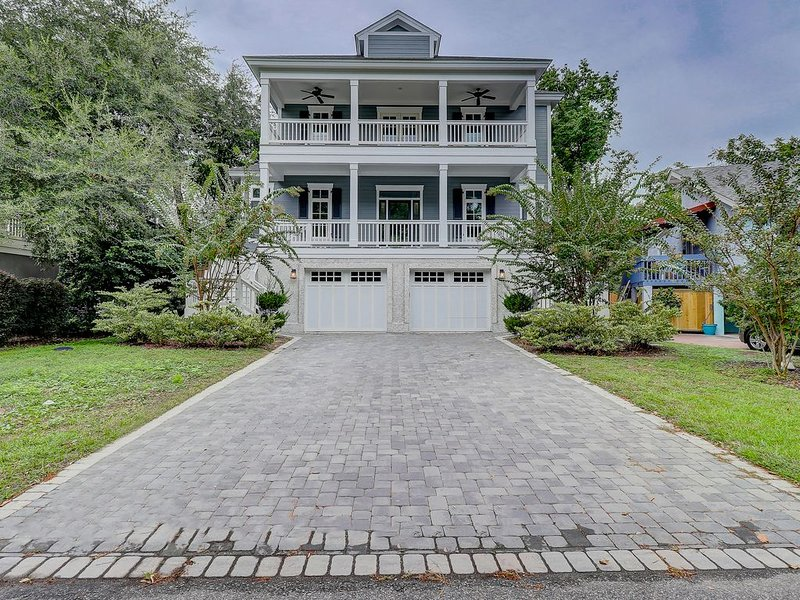 Fall 2019 Dates Available! 2nd row NEW Beach house  Family Friendly, location de vacances à Parris Island