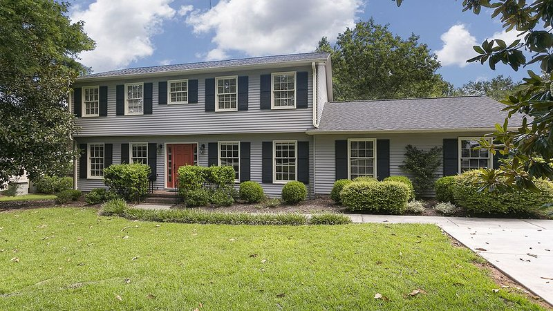 Beautiful Home Close To Everything, holiday rental in Greer