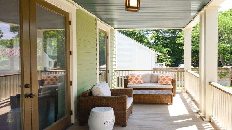 Porches meublés pour se détendre en plein air