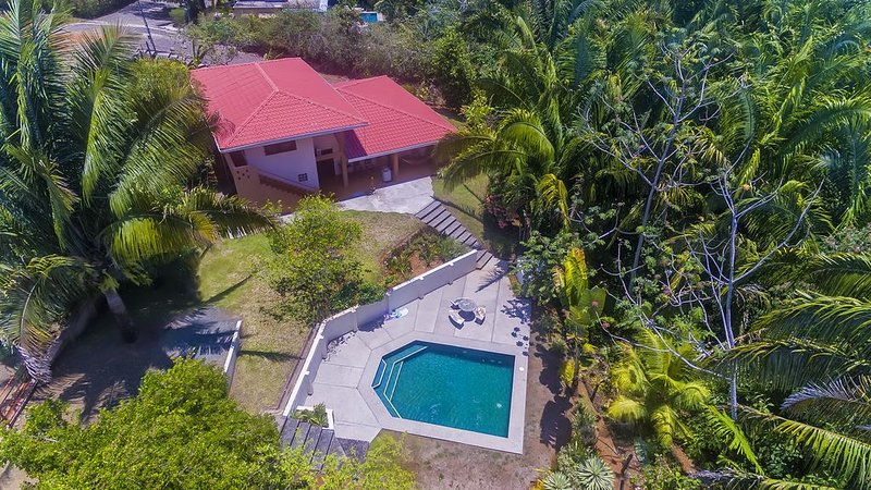 Spectacular Rainforest Views, Beach Access, Swimming Pool, holiday rental in Esterillos Oeste